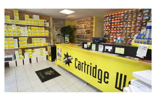 cartridge world toulon interieur du magasin de recharge de